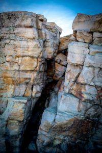cliff-1206473_640